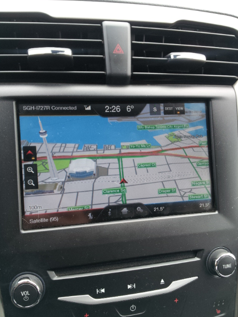 The gps navigation system provides 3-D maps with high visual quality