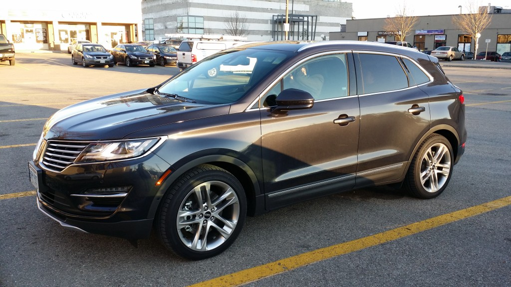 The new compact SUV from Lincoln is the right product for the returning luxury manufacturer. The MKC with the 2.3 EcoBoost engine costs nearly 56 thousand CAD including a bundle of options.
