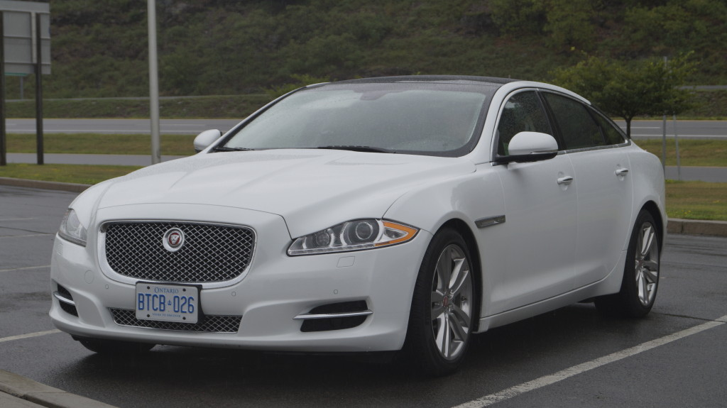 The new XJ was a true revolution when it was launched in 2008. Now, we are used to its elegant and sleek design.