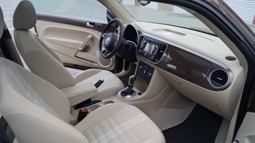 """Unlike the first generation of the """"New Beetle"""", the current model does not have a vase in the dashboard. Technology package with navigation and 400-Watt Premium audio system costs 1,570 CAD extra."""