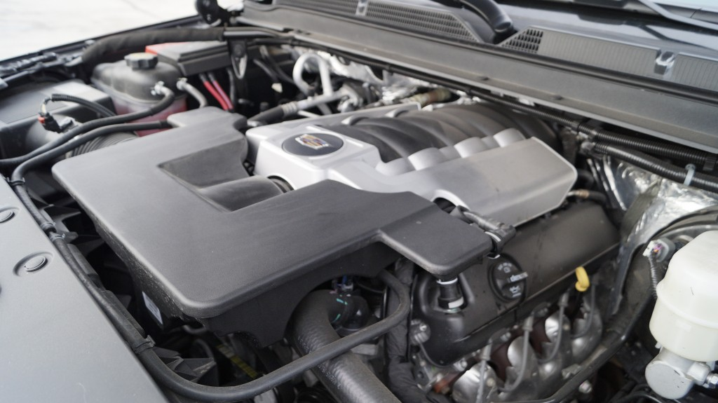 The 6.2 liter, V8 engine offers 420 horsepower. Cylinder deactivation does not provide palpable benefits for a vehicle of this size, yet still a bold statement for environment